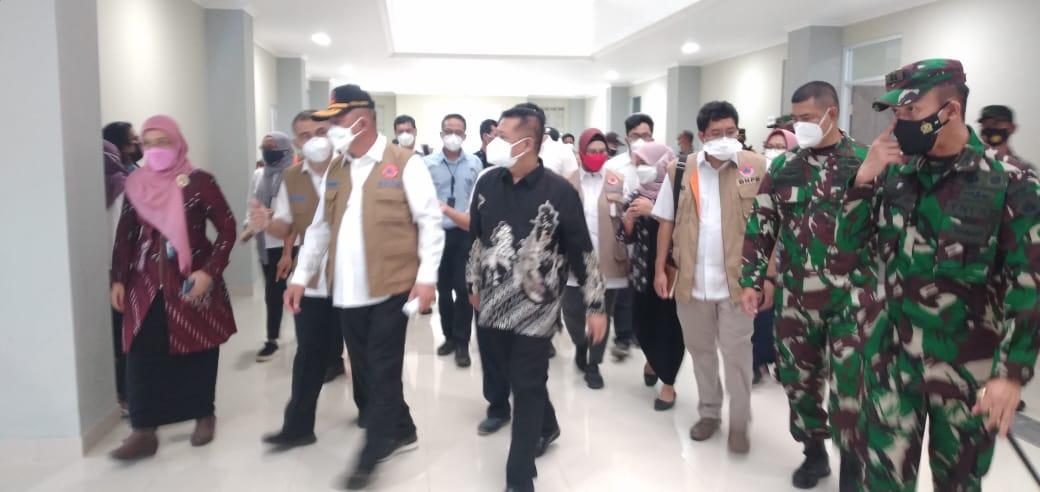 Kepala BNPB Tinjau Posko PPKM dan Shelter Covid 19 Wedomartani Sleman