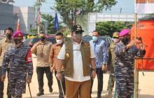 TNI AL , KORPS MARINIR BANGUN DAPUR LAPANGAN UNTUK WARGA ISOMAN PASIEN COVID 19 DI BANDAR LAMPUNG