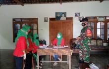 Babinsa Karangdowo Memantau posyandu Dan Beri Himbauan Prokes Covid 19