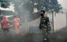 Dinas Kesehatan Klaten Bersama Babinsa Lakukan Fogging