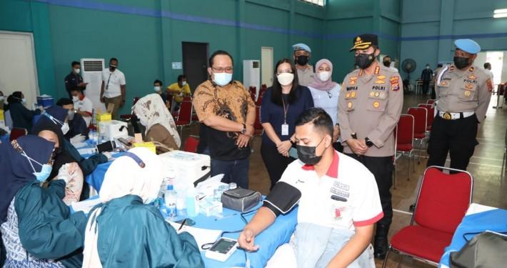 Kapolres Tangerang Terus Lakukan Vaksinasi Tahap Dua, Disini Tempatnya.